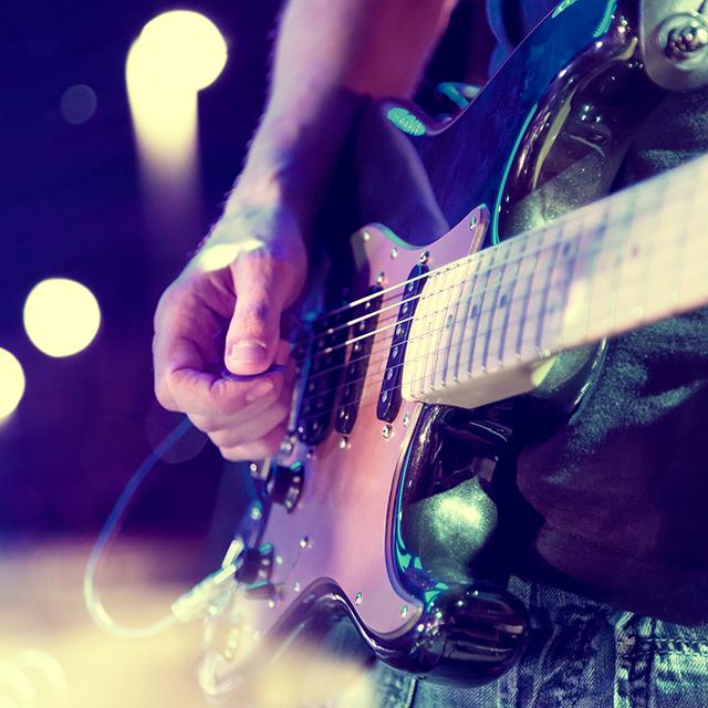E-Gitarre im Scheinwerferlicht